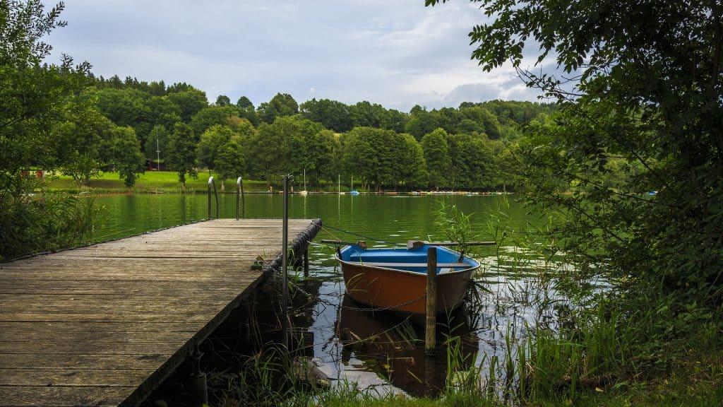 lac bateau peche